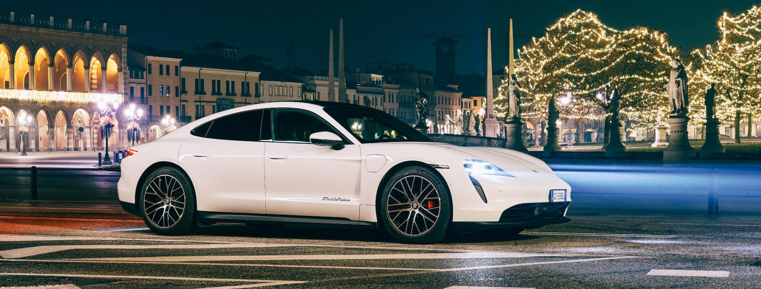 La nuova Porsche Taycan