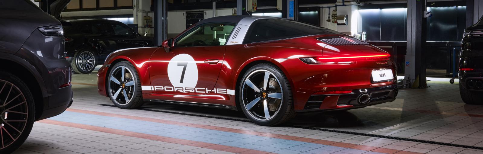 La nuova 911 Targa 4S Heritage Design Edition