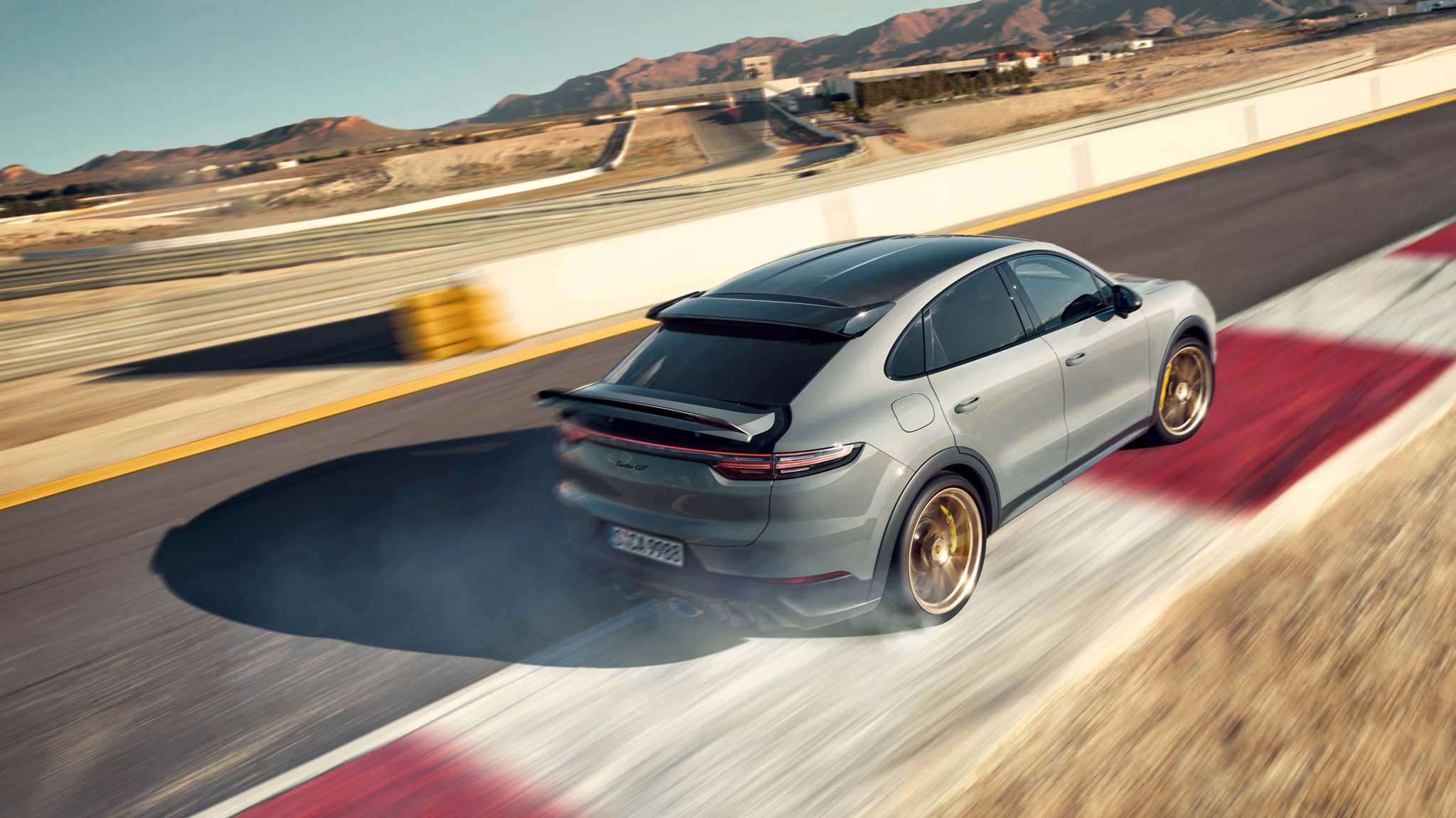 La nuova Cayenne Turbo GT