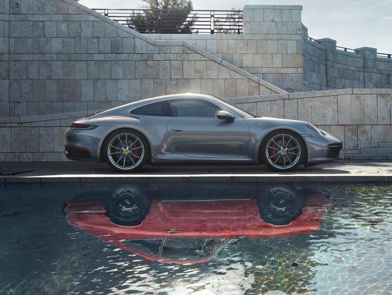Nuova Porsche 911. La macchina senza tempo