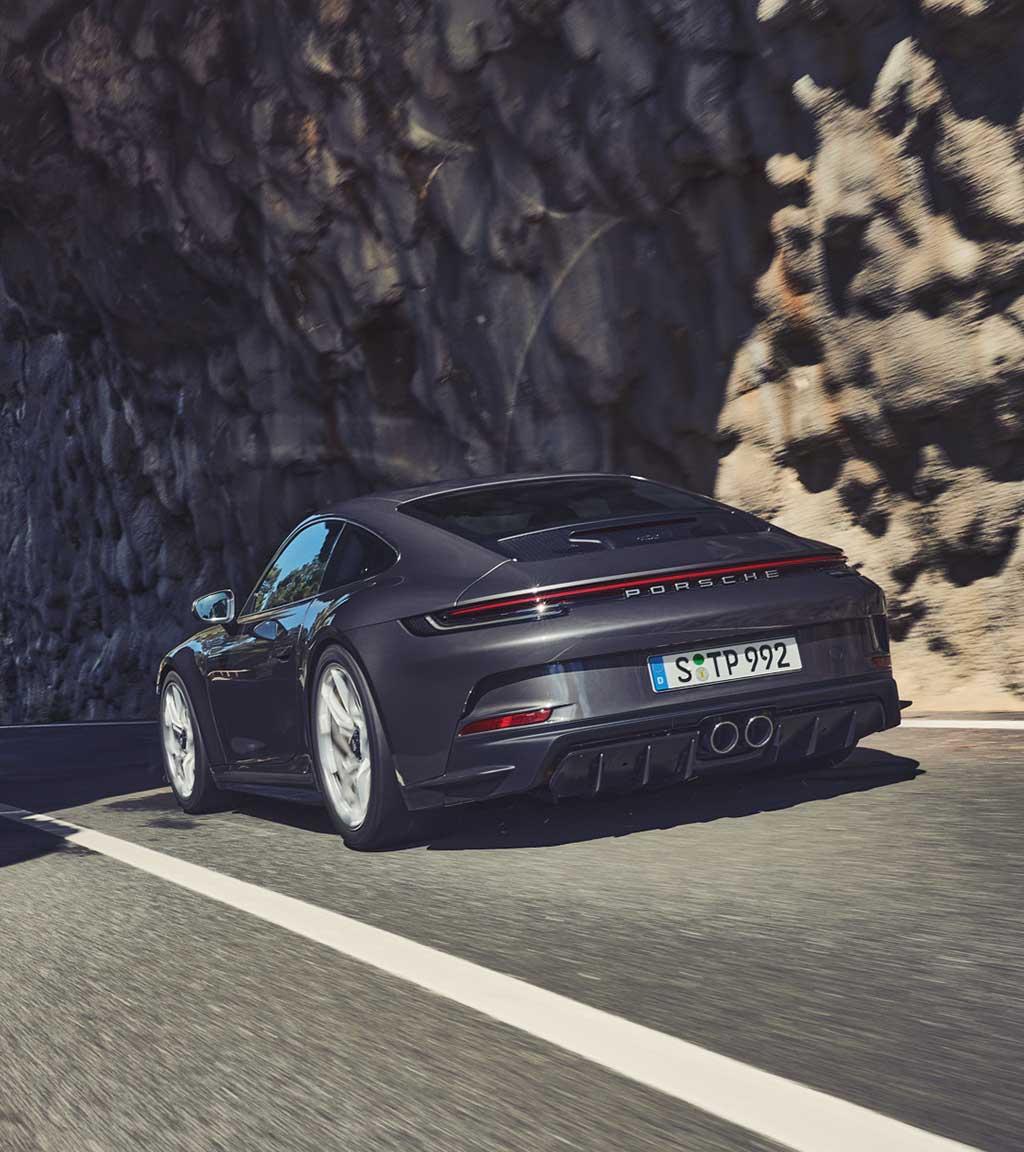 La nuova 911 GT3 con pacchetto Touring.