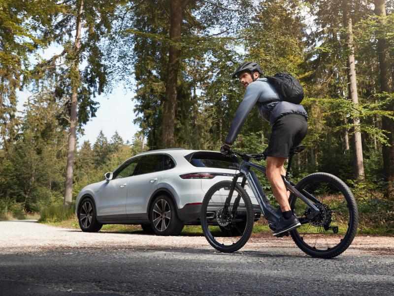 Performance, electrified. Porsche E-Performance