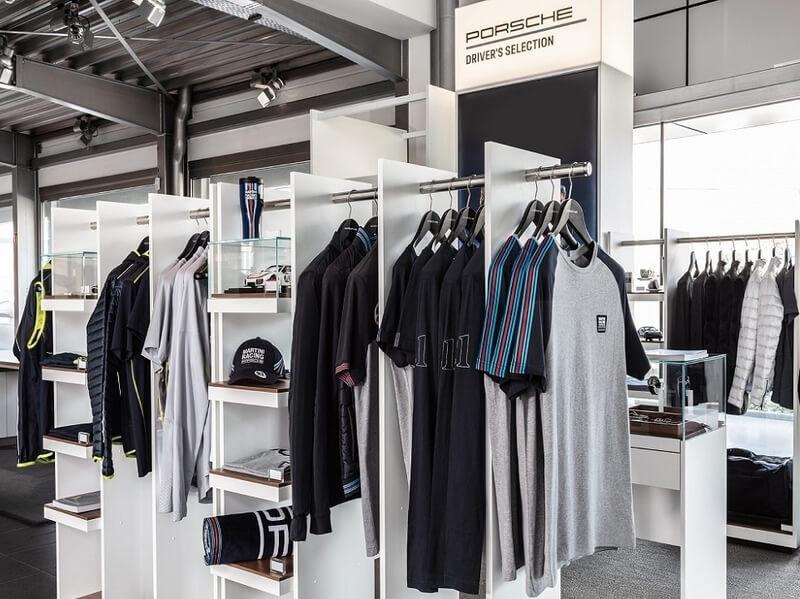 Porsche Driver's Selection. Porsche Online Shop